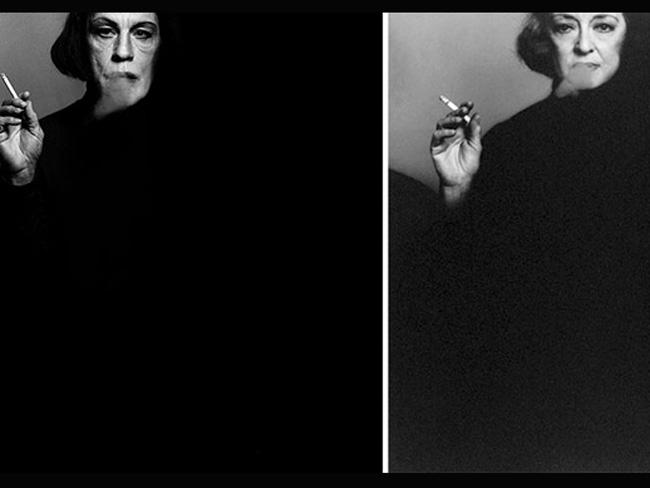 Джон Малкович в образе знаменитых фотографий Курящая женщина