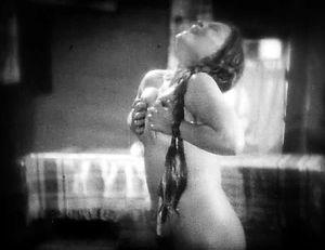 Земля 1930 год Александр Довженко голая женщина