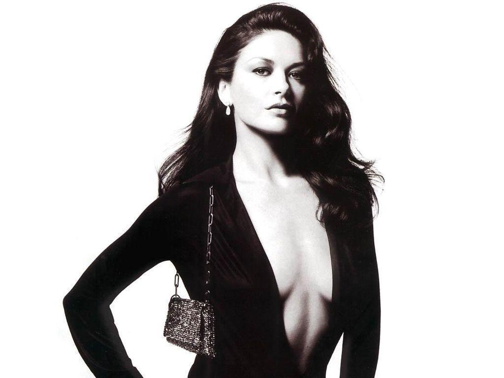 Кэтрин Зета-Джонс декольте фото Catherine Zeta-Jones photos