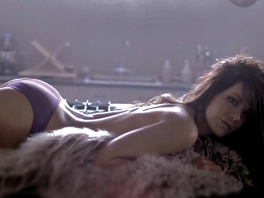 Кейт Бэкинсейл трусики топлесс фото Cate Beckinsale lingerie topless photo