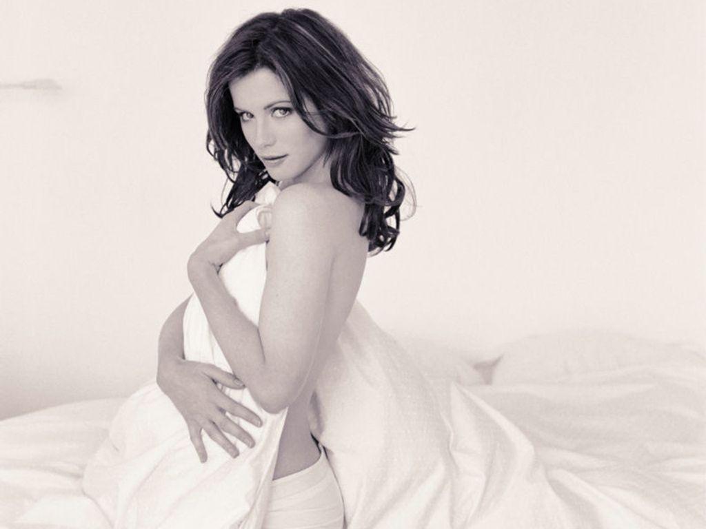 Кейт Бэкинсейл фото простыня Cate Beckinsale photo in bed