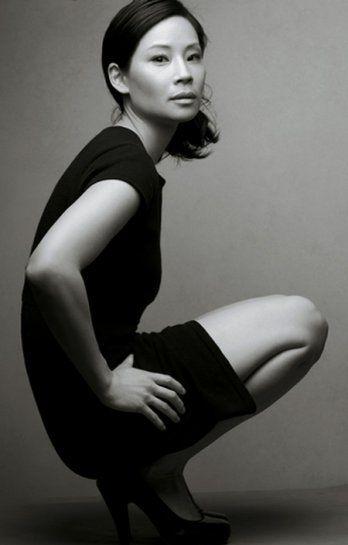 Люси Лью черно-белое фото Lucy Liu photo black and white