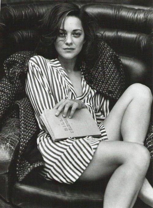 Марион Котийяр фото ноги рубашка Marion Cotillard photo legs shirt