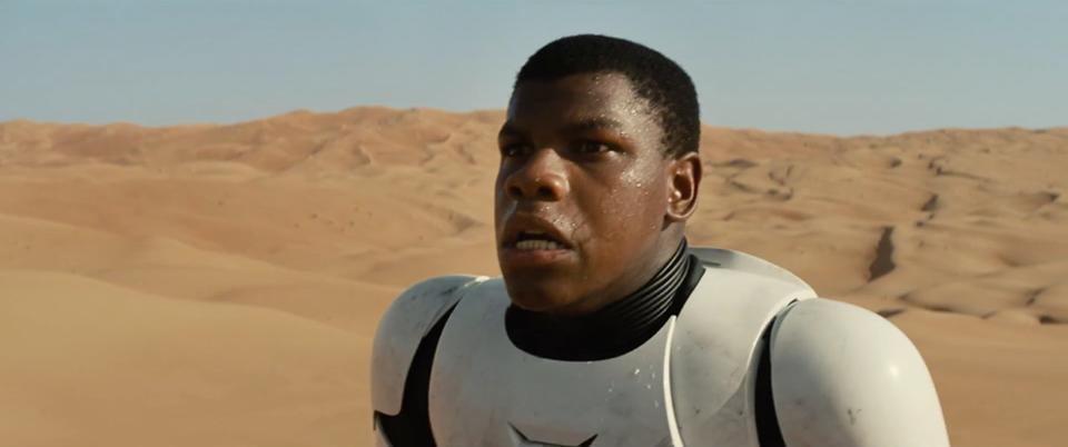 Первые кадры новых Звездных войн негр в костюме штурмовика