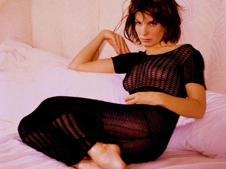 Сандра Буллок фото груди Sandra Bullock photo see-through