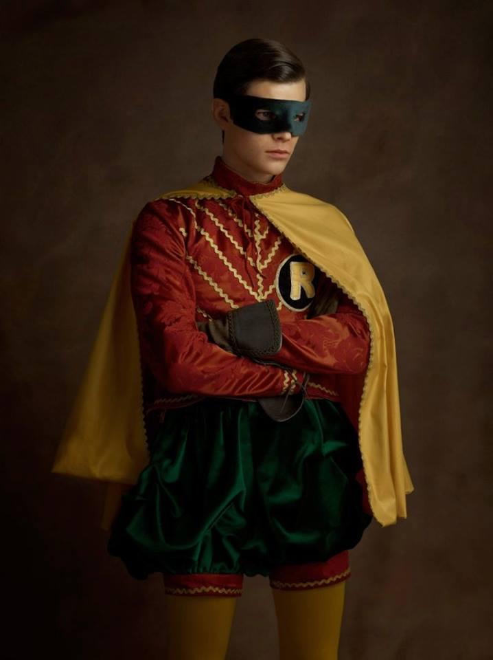 Супергерои в костюмах эпохи ренессанс Робин