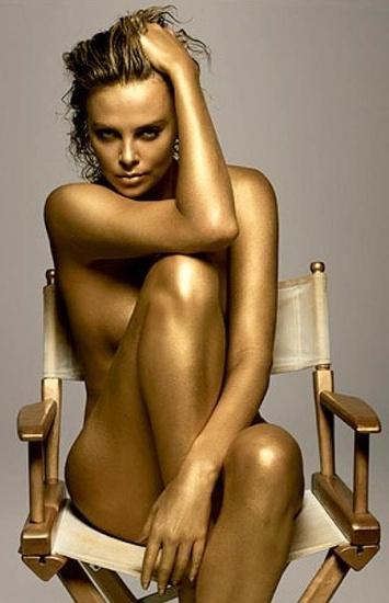 Шарлиз Терон фото в золотой краске Charlize Theron photo painted gold