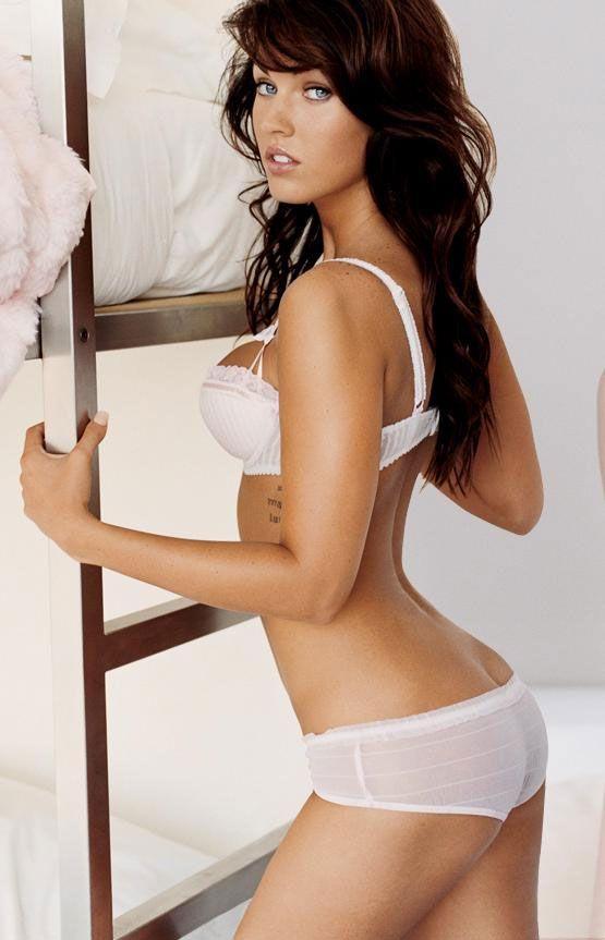 Меган Фокс фото попа Megan Fox photo ass