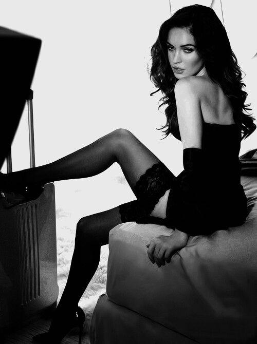 Меган Фокс фото чулки Megan Fox photo stockings