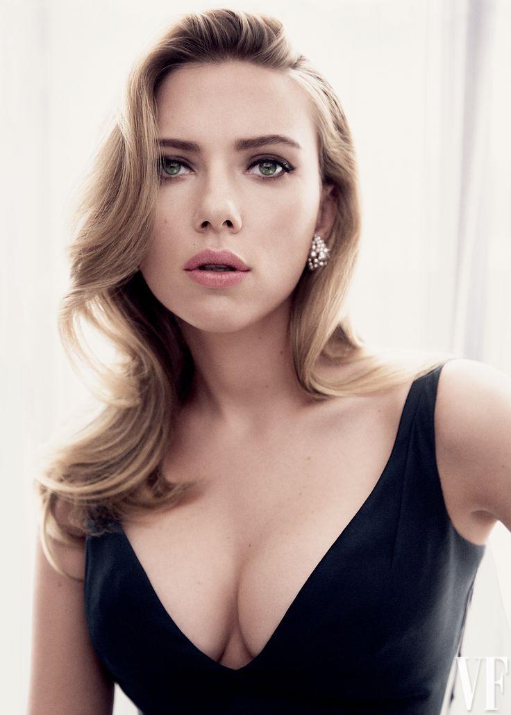 Скарлетт Йоханссон фото декольте Scarlett Johansson photo decolette