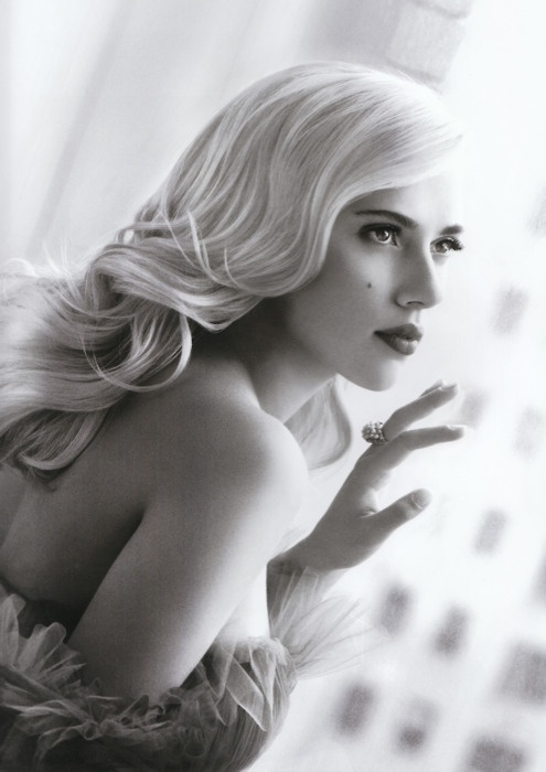 Скарлетт Йоханссон фото Scarlett Johansson photo black and white