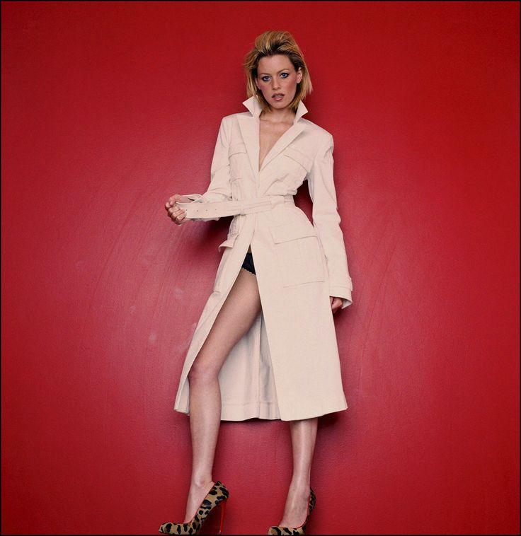Элизабет Бэнкс фото плащ Elizabeth Banks photo coat