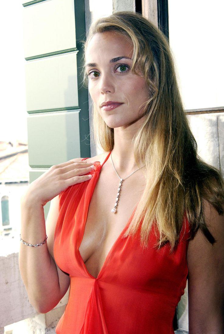 Elizabeth Berkley photo decolette Элизабет Беркли фото декольте