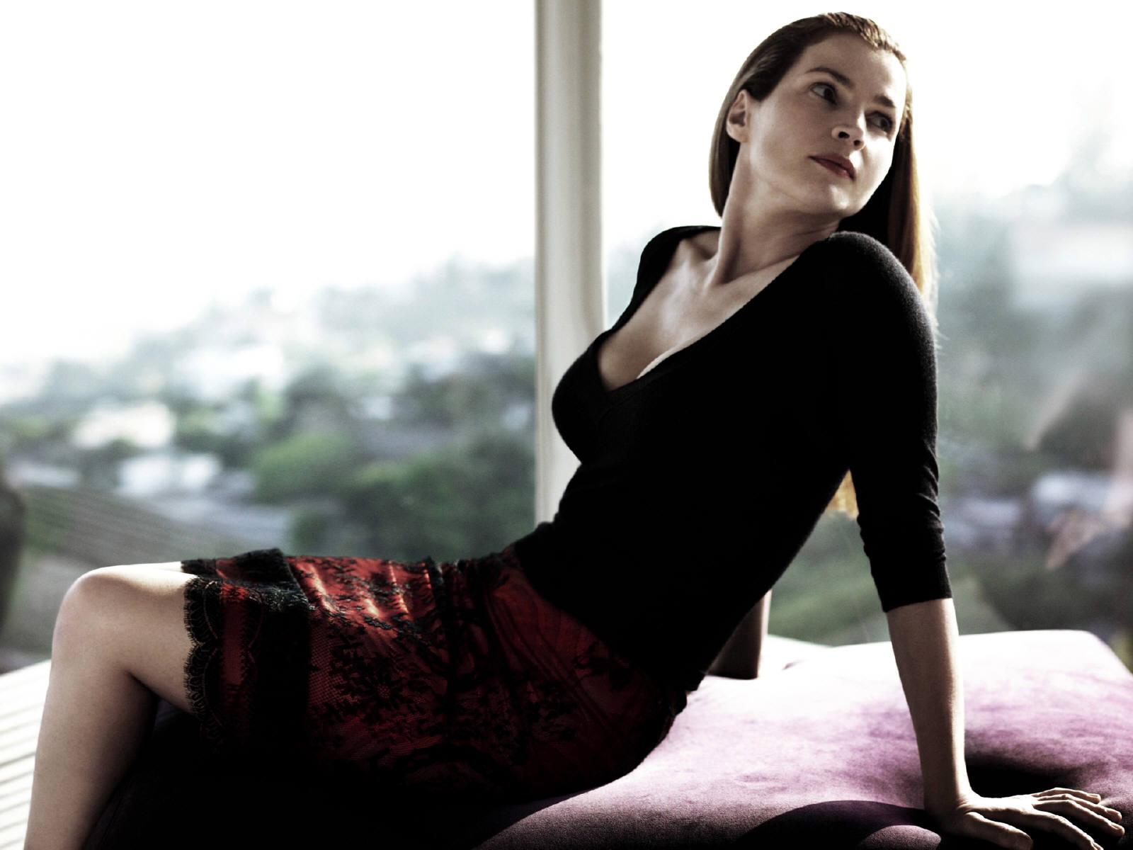 Красотка дня: Джулия Ормонд (14 фото)