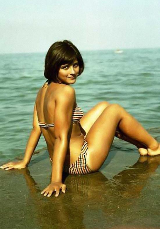 Наталья Варлей фото в купальнике