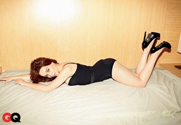 Эмилия Кларк фото попа Emilia Clarke  photo ass