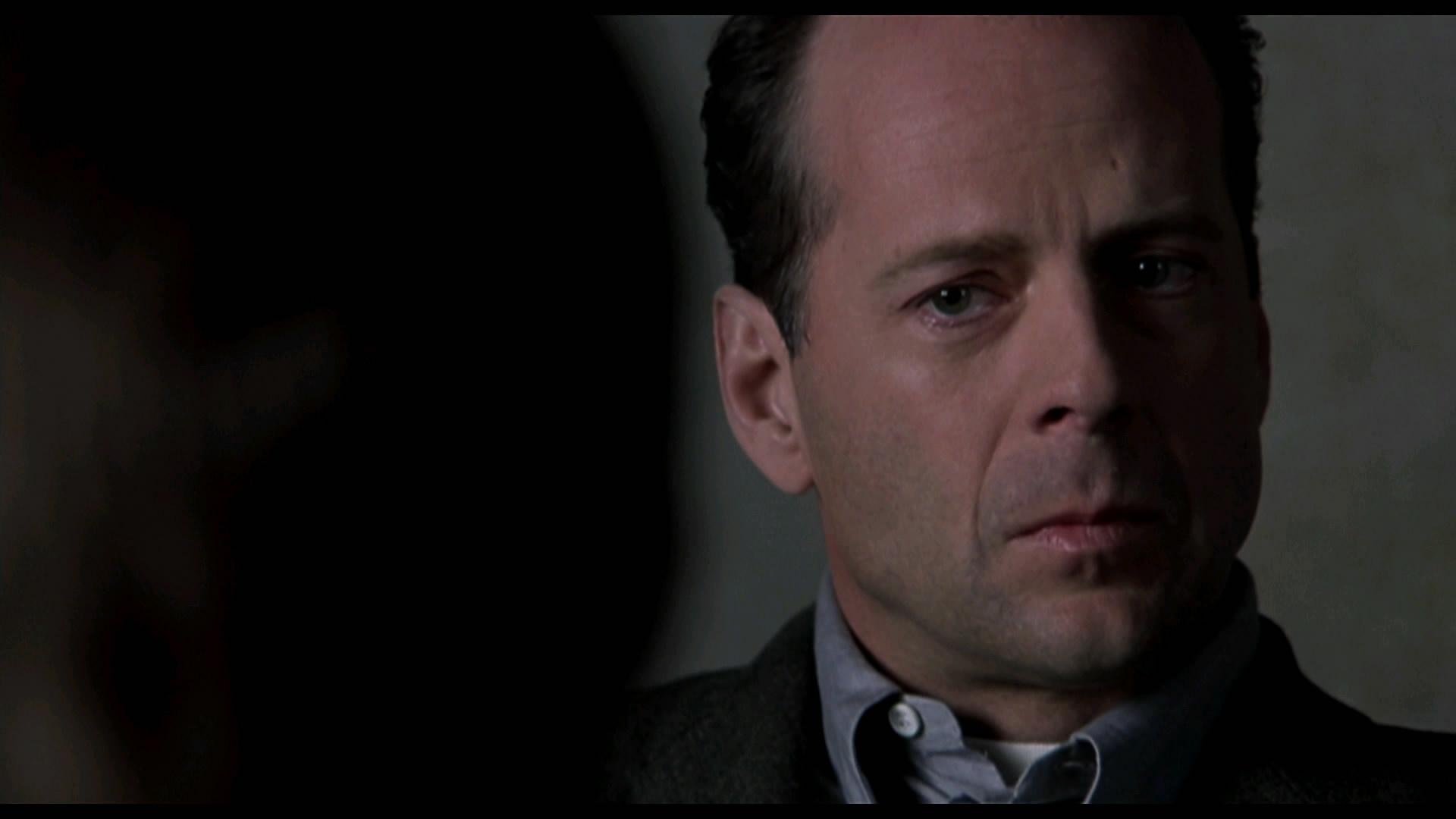 10 лучших ролей Брюса Уиллиса 1999 Шестое чувство (The Sixth Sense)