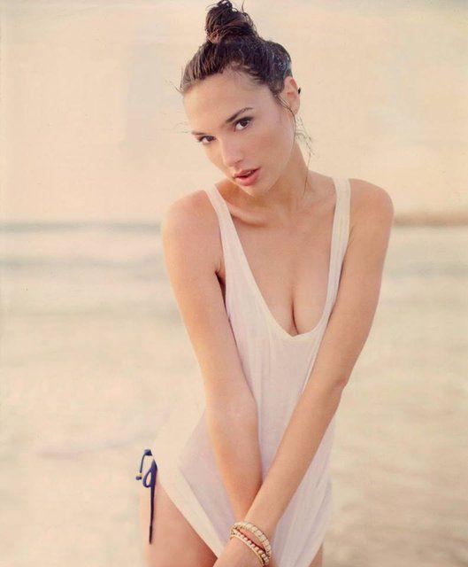 Галь Гадот фото купальник Gal Gadot photo bikini