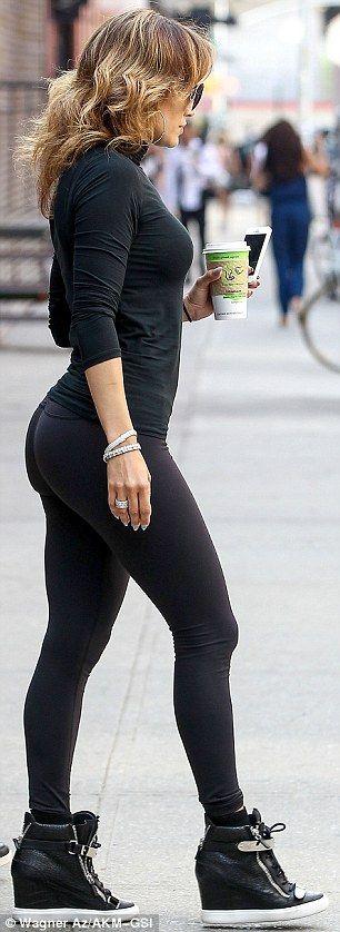 Дженнифер Лопеc фото задница Jennifer Lopez booty