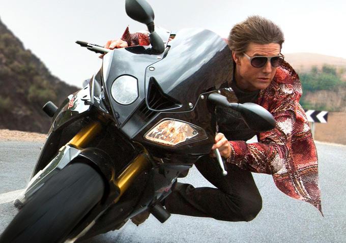 Миссия невыполнима Племя изгоев (Mission Impossible - Rogue Nation) Том Круз на мотоцикле