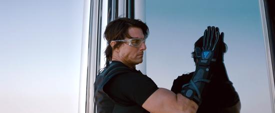 Миссия невыполнима Протокол Фантом (Mission Impossible - Ghost Protocol) эволюция Том Круза физическая форма