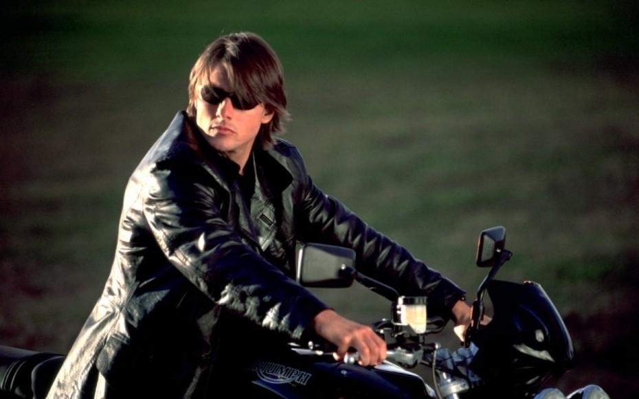 Миссия невыполнима (Mission Impossible) 2000 год Том Круз на мотоцикле