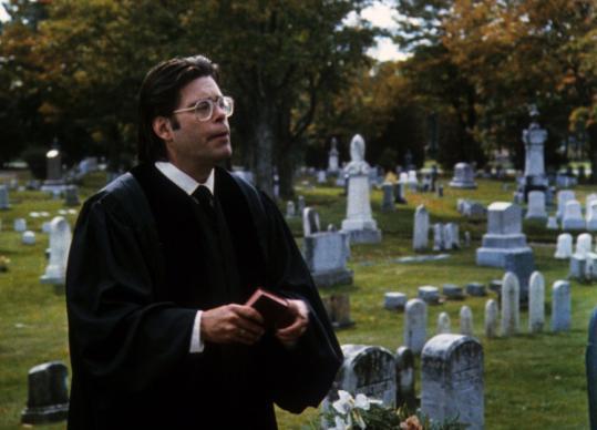 Лучшие экранизации Стивена Кинга Кладбище домашних животных Стивен Кинг священник