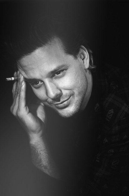 Микки Рурк фото молодой сигарета Mickey Rourke photo cigarette