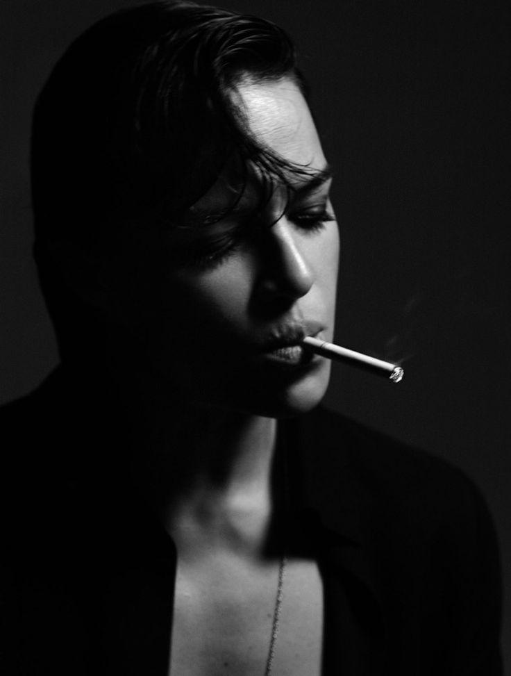 Мишель Родригес сигарета фото Michelle Rodriguez cigarette photo