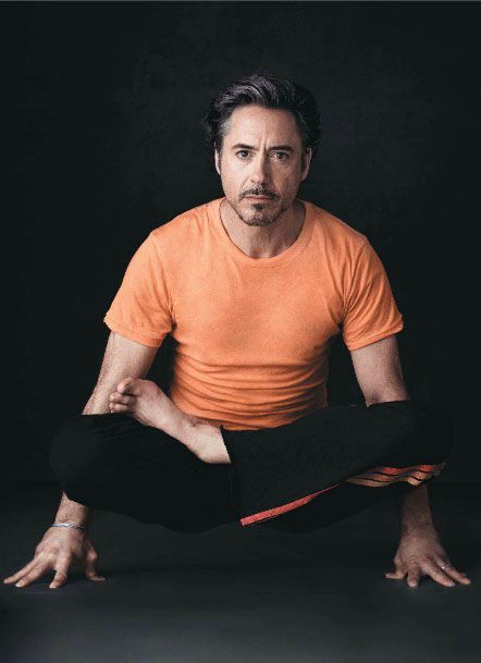 Роберт Дауни-младший фото йога Robert Downey Jr. photo yoga