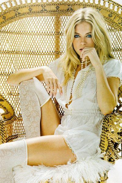 Сиенна Миллер фото чулки Sienna Miller photo stockings