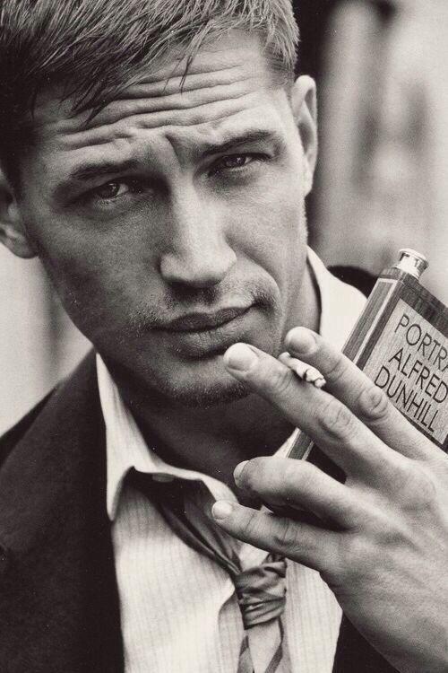 Том Харди фото сигарета Tom Hardy photo cigarette