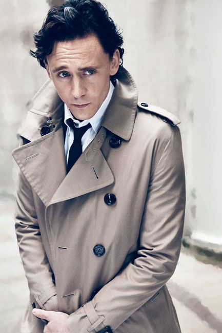 Том Хиддлстон фото плащ Tom Hiddleston photo