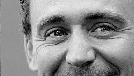 Том Хиддлстон фото улыбка Tom Hiddleston photo smile