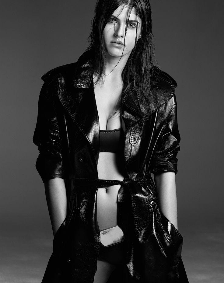 Александра Даддарио фото белье Alexandra Daddario photo lingerie