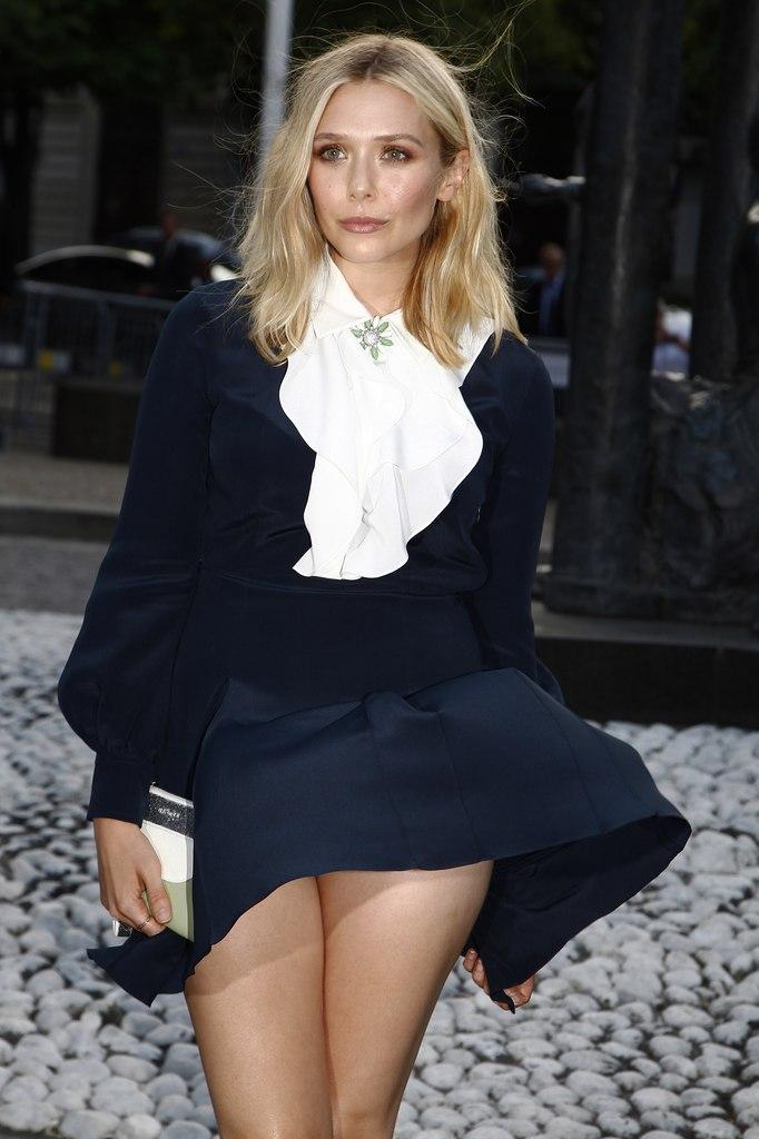 Элизабет Олсен фото юбка Elizabeth Olsen upskirt