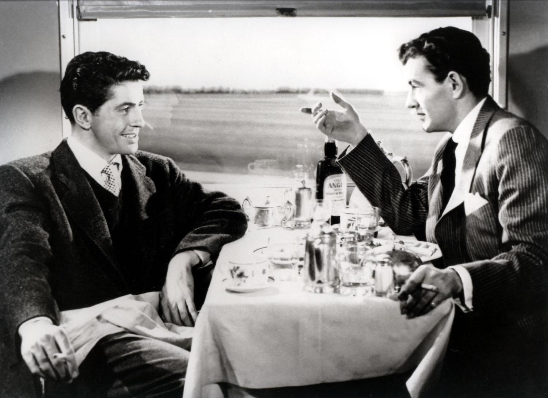 незнакомцы в поезде кадр