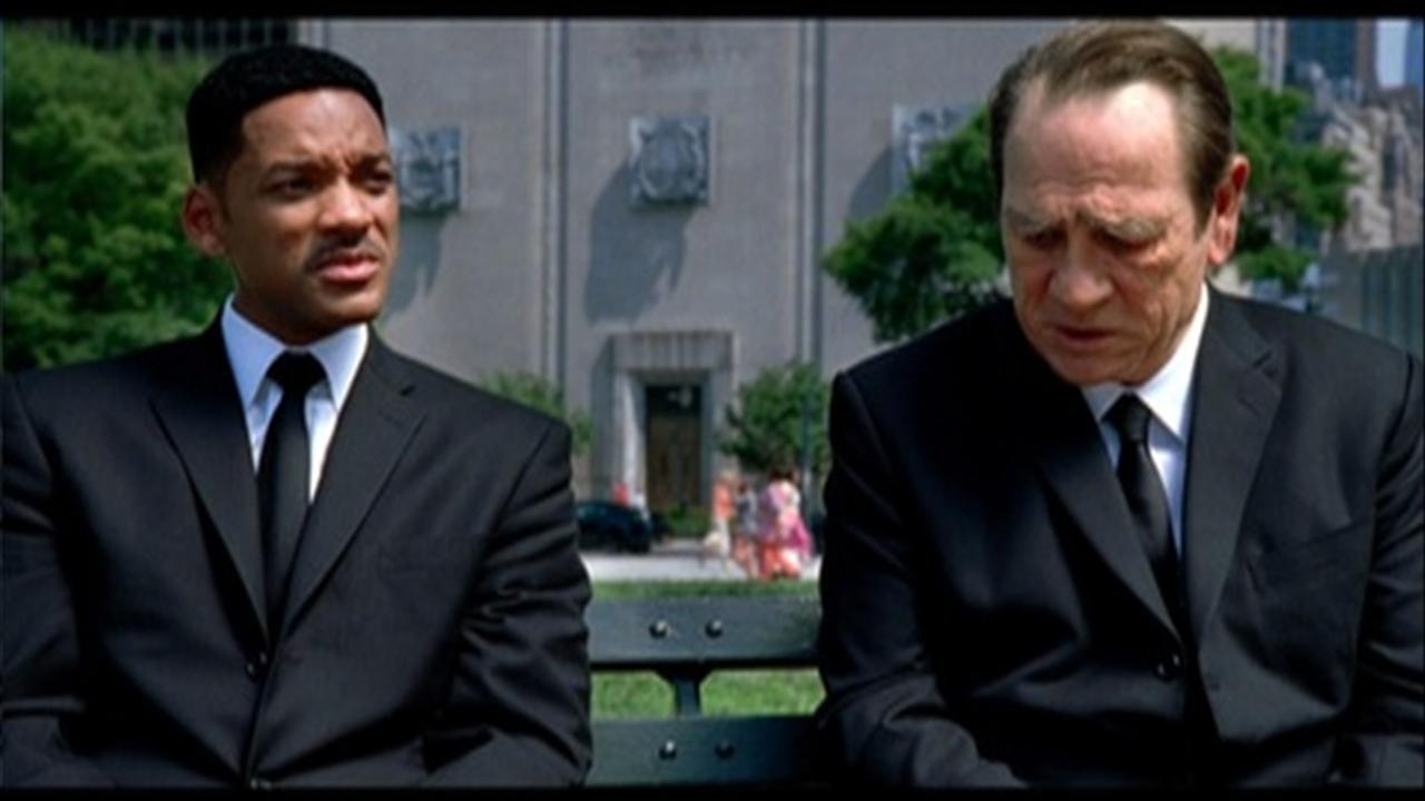 10 лучших мужских дуэтов в кино Томми Ли Джонс и Уилл Смит Люди в черном