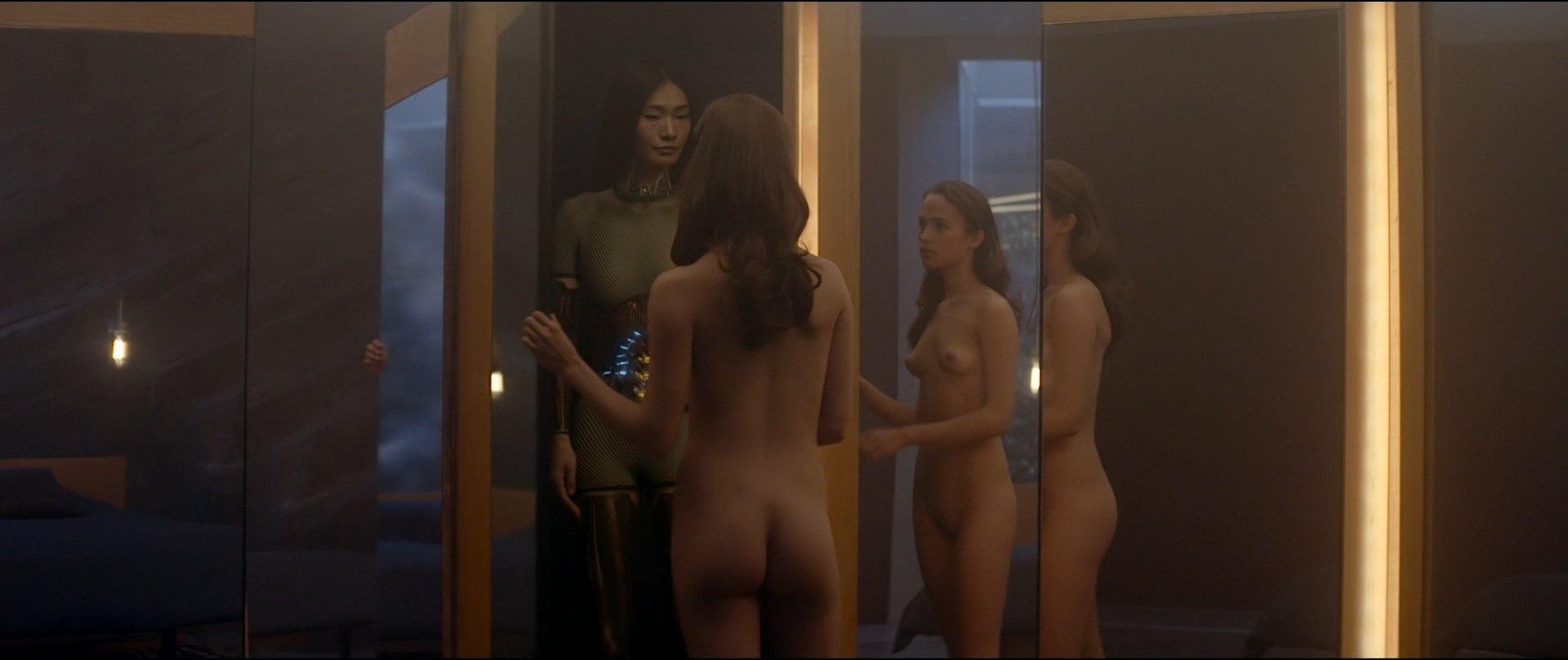 Самые обсуждаемые обнаженные сцены в кино Алисия Викандер Из машины