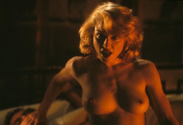 Самые обсуждаемые обнаженные сцены в кино Мадонна, Тело как улика