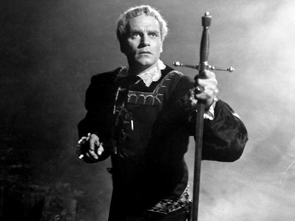 10 известных актеров, игравших Гамлета Лоуренс Оливье