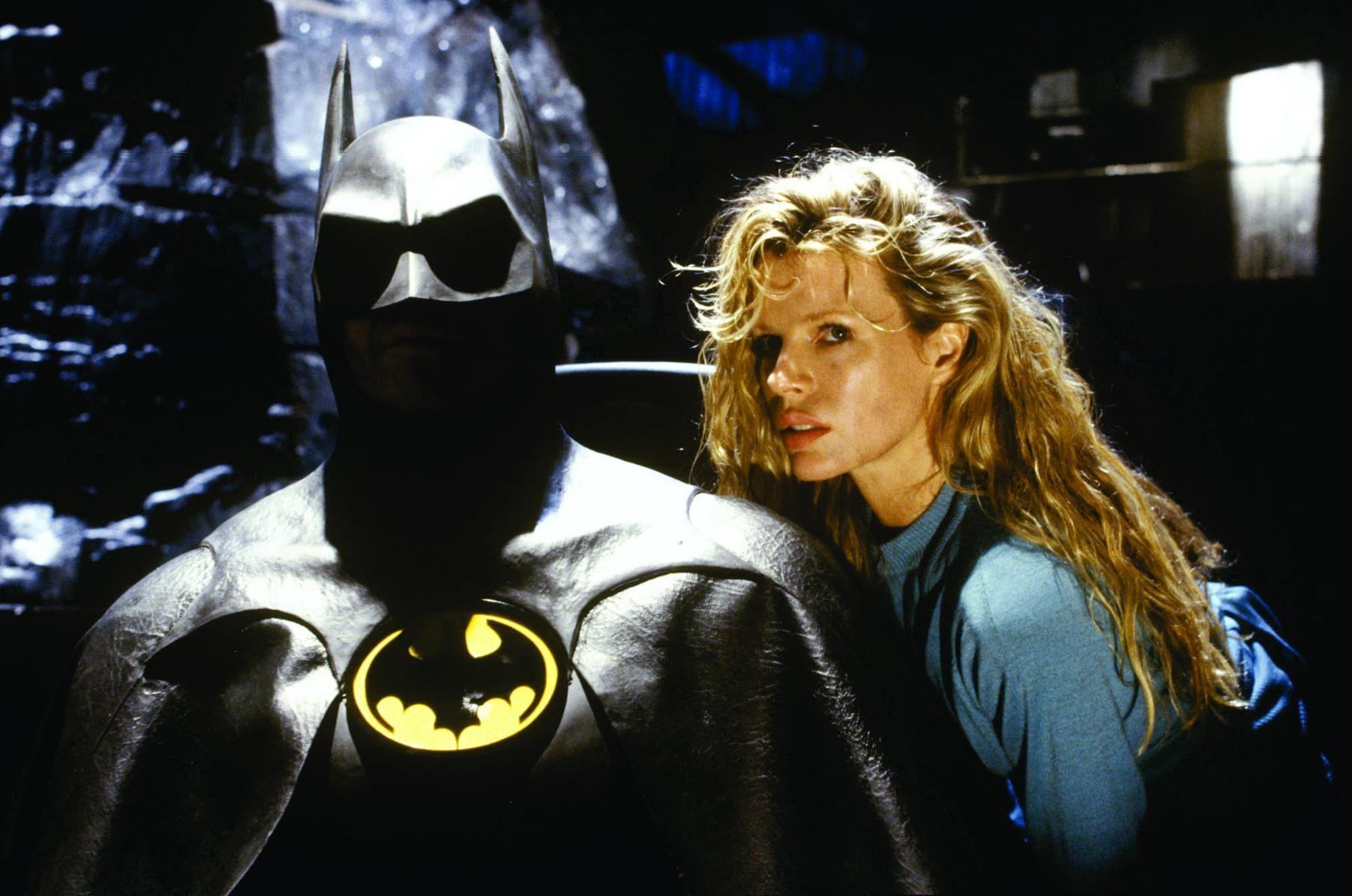 Ким Бэйсингер бэтмен