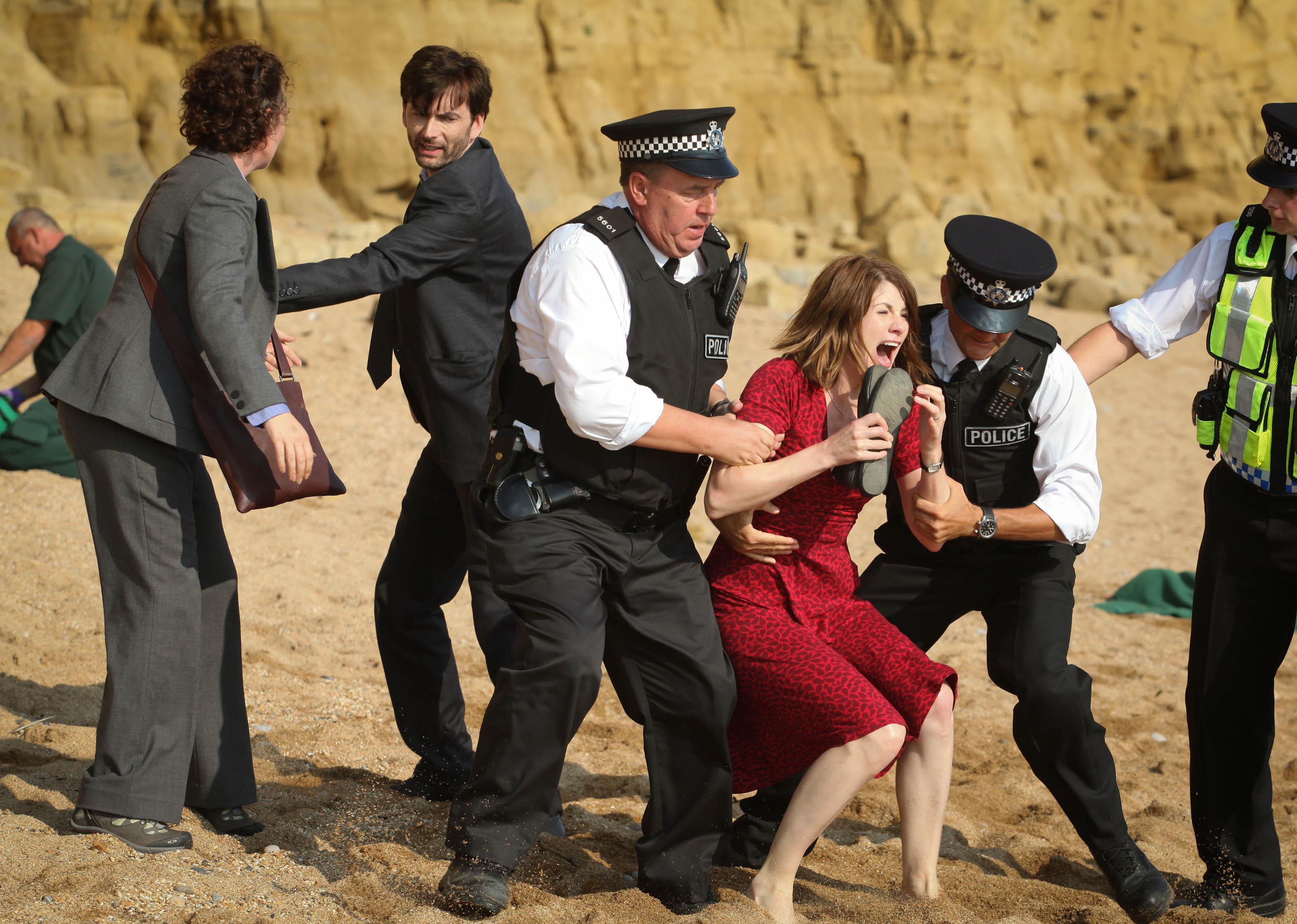 убийство на пляже кадр 3