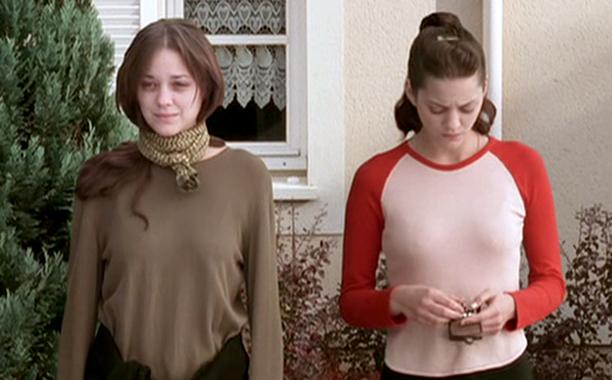 Актеры игравшие близнецов Марион Котийяр Миленькие штучки