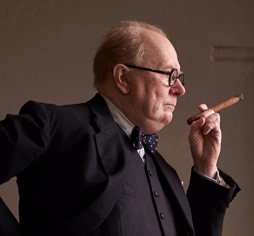 Гарри Олдман в роли Черчилля