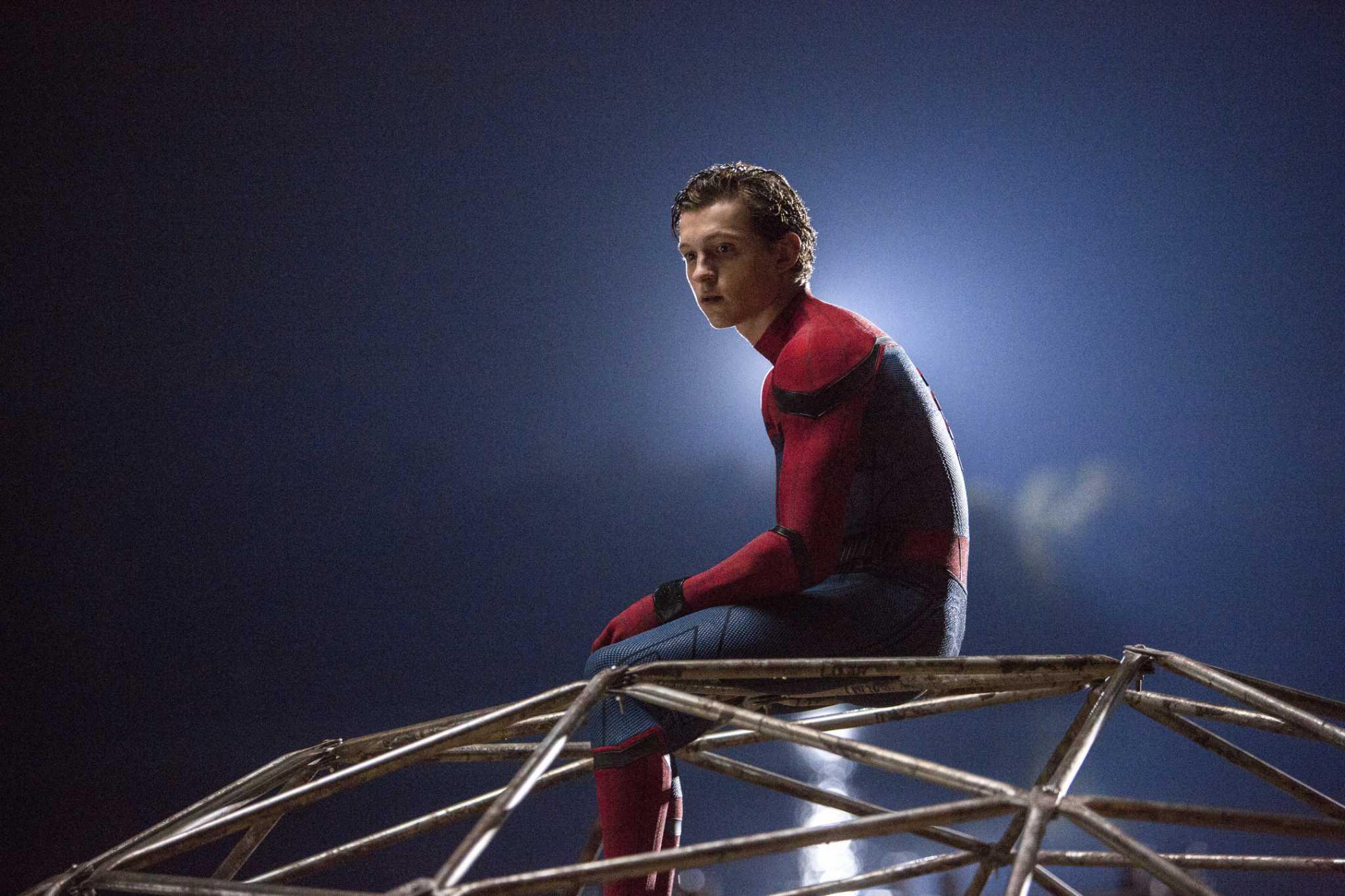 человек-паук возвращение домой кадр  4