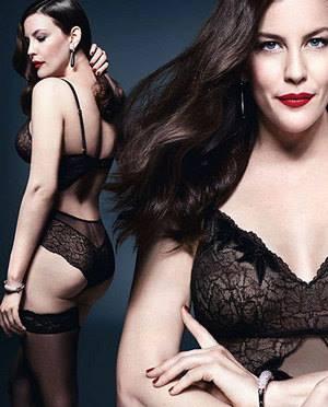 Джулианна Мур  реклама нижнего белья