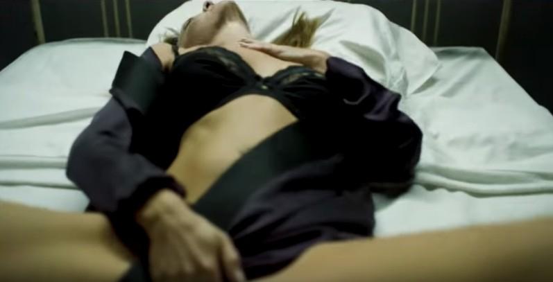 Джонни Депп в клипе Мэрилина Мэнсона SAY10